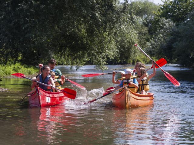 Autreppes, Thiérache, Balade en canoë ©CRTC Hauts-de-France - N. Bryant