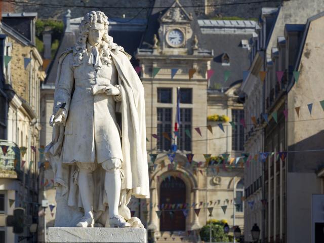 Château-Thierry _ Maison Jean de la Fontaine _ Statue Jean de la Fontaine © CRTC Hauts-de-France - AS Flament