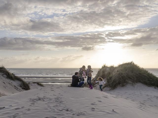 Fort-Mahon balade dans les dunes en famille © CRTC Hauts-de-France - Nicolas Bryant