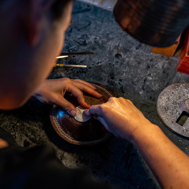 Méru_Gravure Sur Nacre Ateliers De Production Et De Restauration ©musée De La Nacre Et De La Tabletterie- Jean Baptiste Quillien
