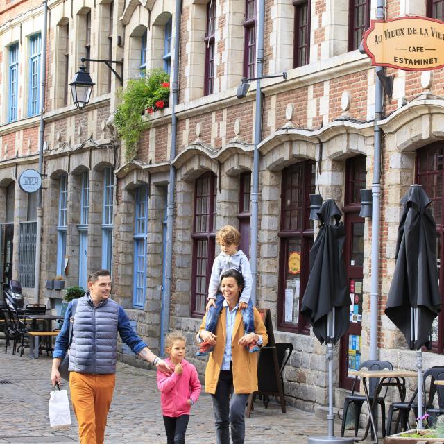 Lille _ Rue Quartier _ Vieux Lille _ Shopping en famille © CRTC Hauts-de-France - AS Flament