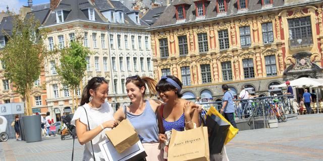 Lille _ Place du Général de Gaulle _ shopping © CRTC Hauts-de-France - AS Flament