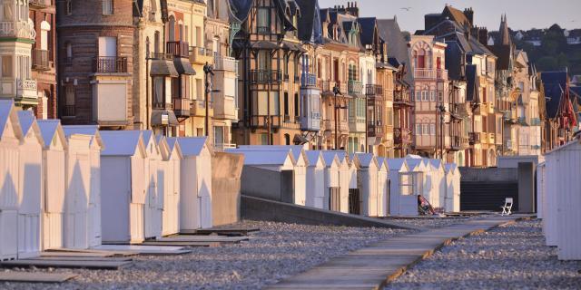 Mers-les-Bains façades Belle Epoque et cabines de plage © CRTC Hauts-de-France - Nicolas Bryant