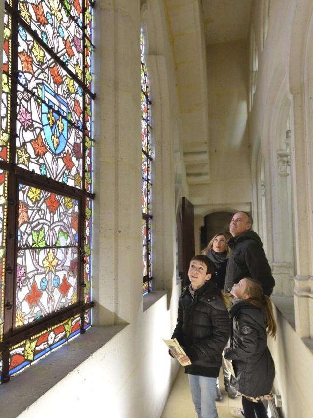 Pierrefonds_vitraux dans la chapelle du château©CRTC Hauts-de-France_Nicolas Bryant