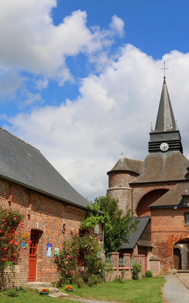Parfondeval, Église Saint-Médard ©Office de Tourisme du Pays de Thiérache