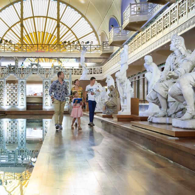 Roubaix _ Musée d'Art et d'Industrie André Diligent _ La Piscine _ Vue sur le Bassin et la Galerie des statues © CRTC Hauts-de-France - AS Flament