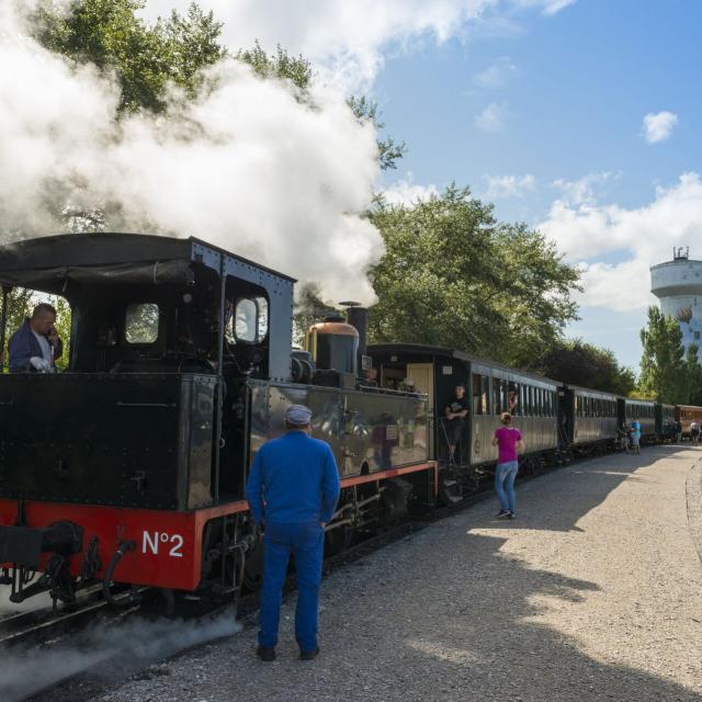 Le Crotoy _ Saint-Valéry-sur-Somme _ Traversée de la Baie de Somme en petit train à vapeur © CRTC Hauts-de-France - Stéphane Bouilland