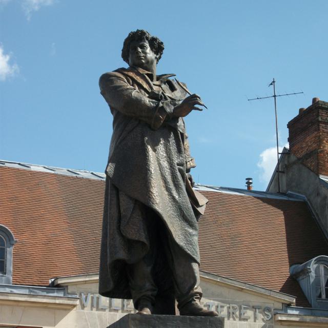 Villers-Cotterêts _ Statue Alexandre Dumas © OT Retz-en-Valois