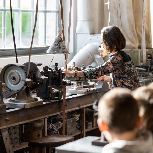 Méru_Visite Jeune Public Au Musée De La Nacre Et De La Tabletterie©musée De La Nacre Et De La Tabletterie Jean Baptiste Quillien