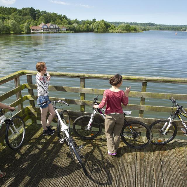 Chamouille_Le Lac de l'Ailette_Voie verte cyclable © CRTC Hauts-de-France - Anne-Sophie Flament