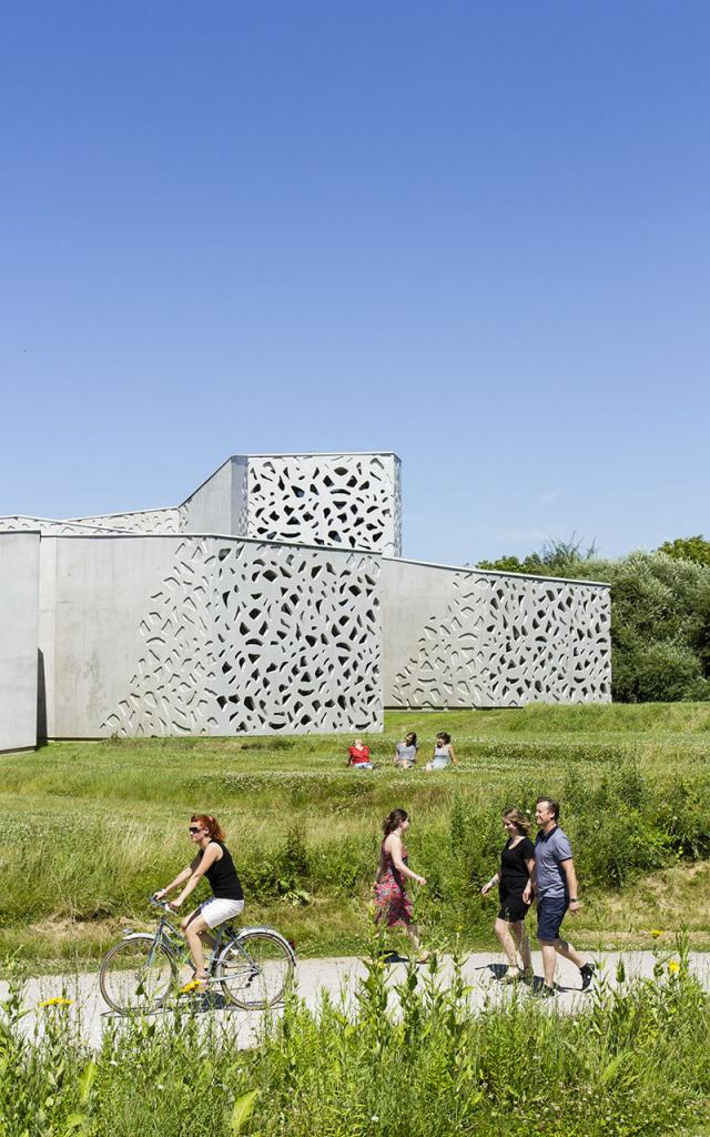 Villeneuve d'Ascq _ vue extérieure du LaM _ extension conçue par Manuelle Gautrand © Manuelle Gautrand Architecture
