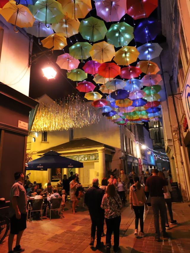 Laon Parapluies Rue Châtelaine Credit Ville De Laon (3)