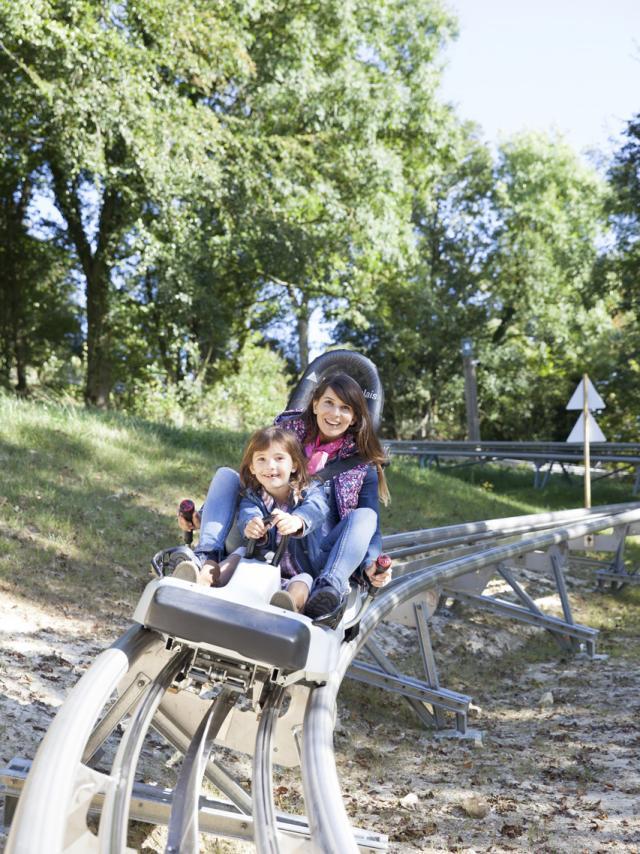 Maisnil-les-Ruitz_Luge au Parc d'Olhain © Brigitte Baudesson-OT Béthune Bruay