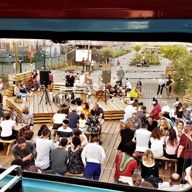 Lille_Restaurant_Bus à Impériale avec vue sur la ferme©CRTC Hauts-de-France - Coursstso01
