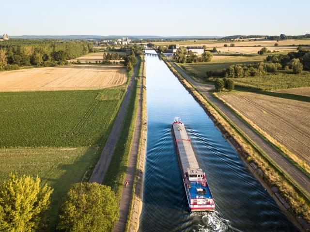 Pont L'Eveque_Eurovelo3_Scandiberique © Un Monde A Velo_Oise Tourisme