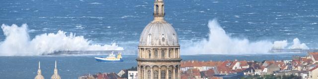 Boulogne Sur Mer La Basilique Et Le Front De Mer Crt Hauts De France Fabien Coisy