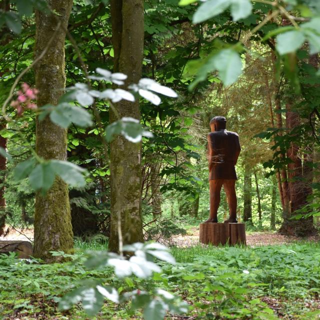Festival Jardins en Scène_Locquignol_Statue Etang David_Festival Jardins en Scène