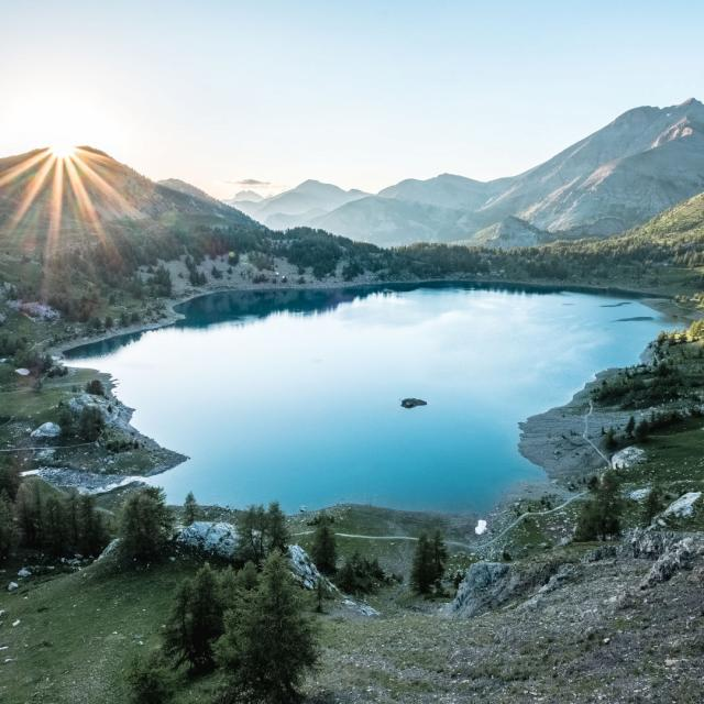 bivouac-leversoleil-lac-allos-alpes-ad04-teddy-verneuil-resize-header-1.jpg