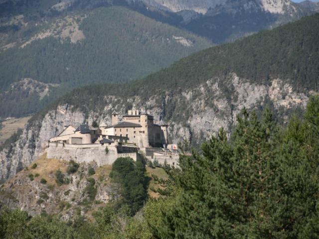 chateau-queyras-1.jpg