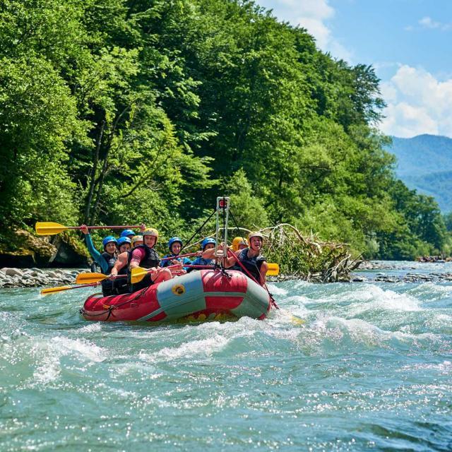 fotolia-209599631-rafting-paca-min-1-8.jpg