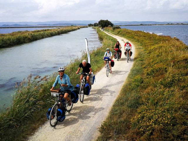 itineraire-mediterranee-a-velo-ayrolle-cbenisty-les-poulets-bicyclettes-vlp-1-2.jpg