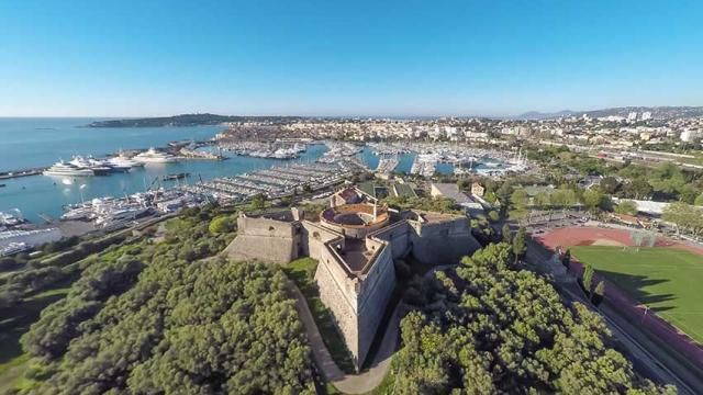 Itineraire Mediterranee A Velo Fort Carre Antibes Jbrosset 1