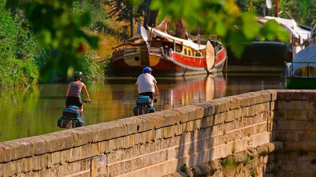 Itineraire Mediterranee A Velo Paysage Canal Adt Aude Cgdeschamps Vlp 1