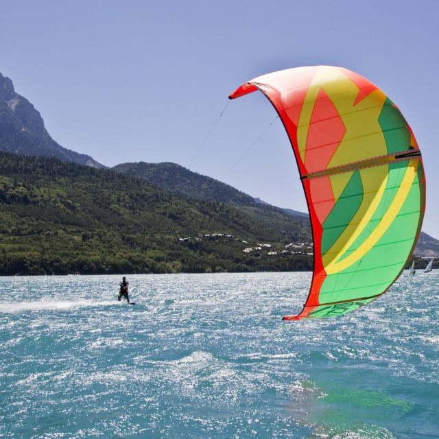 Kitesurf Serre Poncon Alpes Tdurand