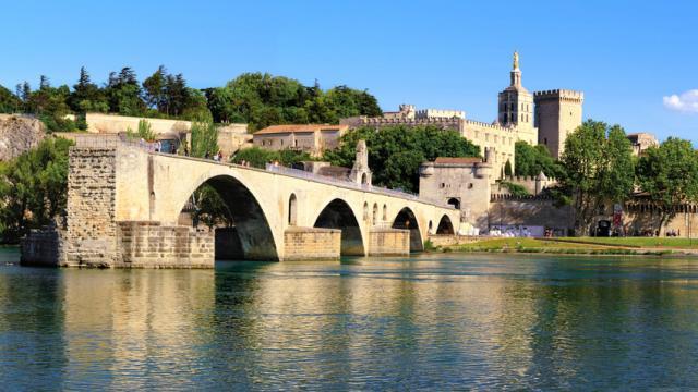 Pont D Avignon Fotolia