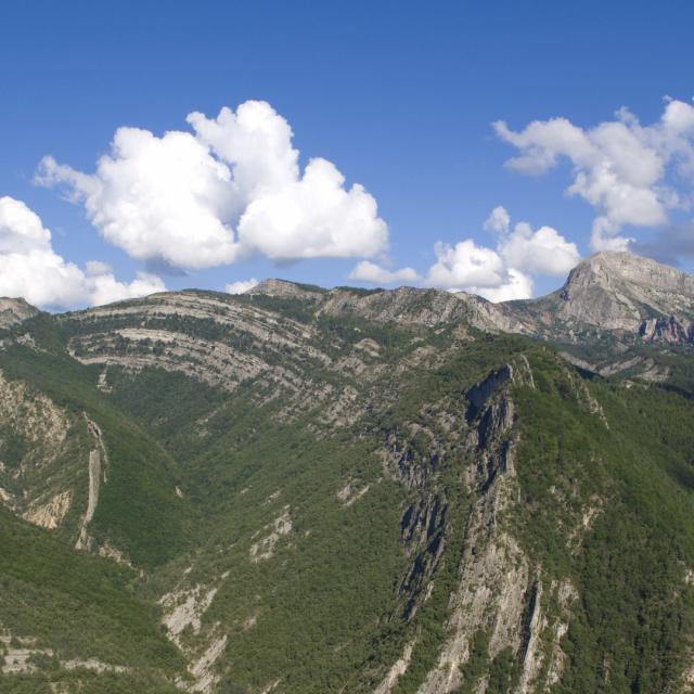 unesco-geoparc-haute-provence-alpes-takei-geopark-1.jpg
