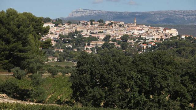 Village Lecastellet Massifsaintebaume Pcarrese 1