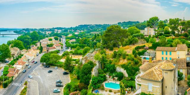 visite-villeneuvelesavignon-provence-adobestock219865627.jpeg