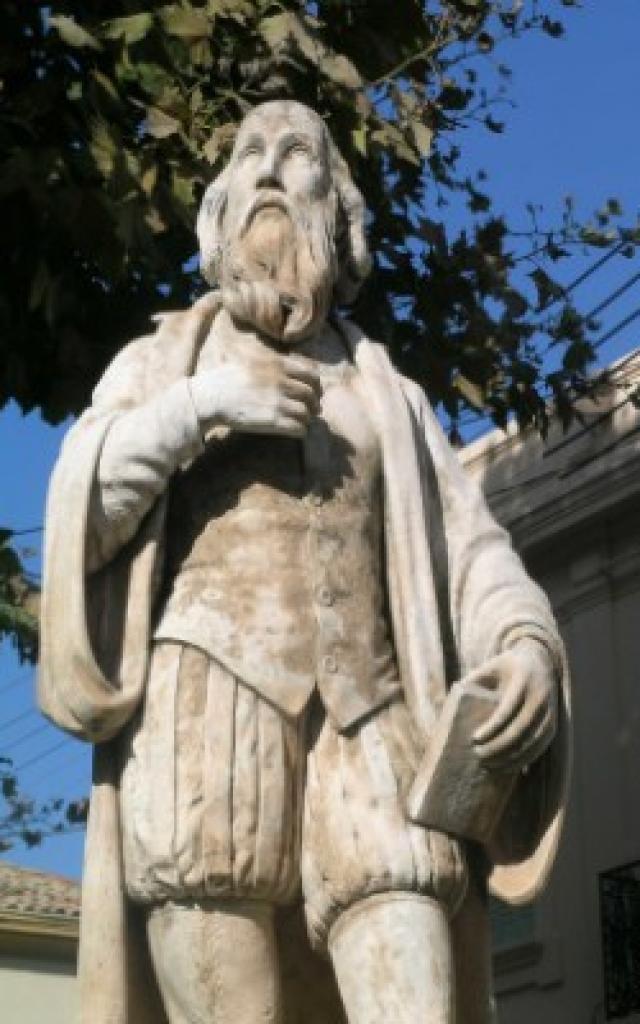 3365 Statue De Nostradamus