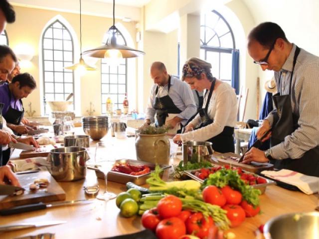 Atelier Cuisine Chateau De Berne