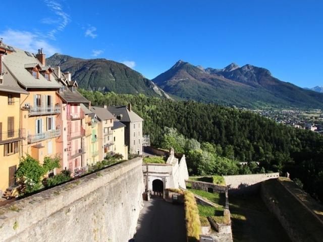 Briancon Alpes Fotolia