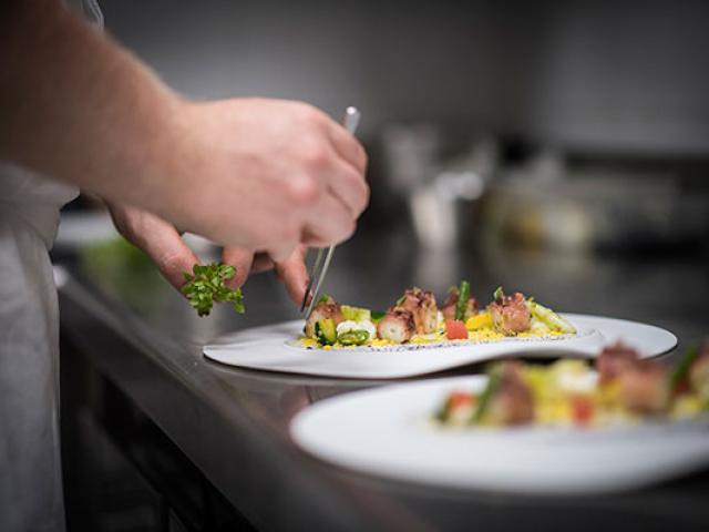 Castellet Restaurant Christophe Bacquie Dr