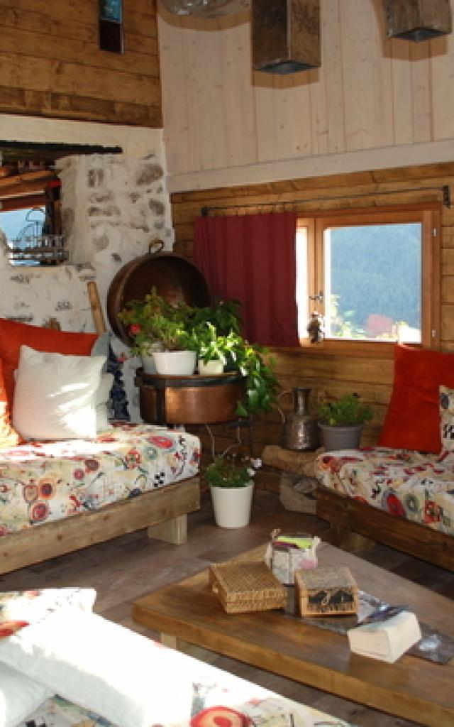 Hebergement Insolite Alpes Les Toits Rouges 1