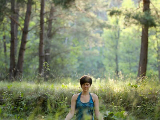 mediationactive-sejourrandonneeetmeditation-hautesalpes-2500px-jannovakphotography-8.jpg