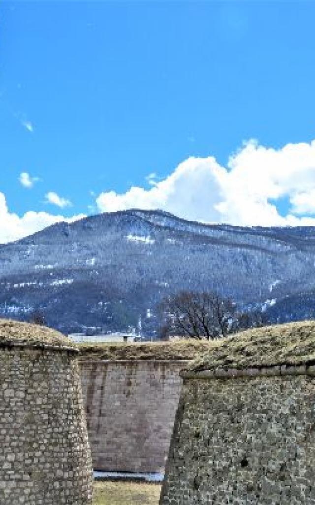 Mont Dauphin M Di Duca 20