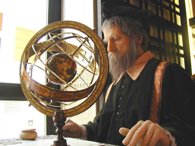 Nostradamus Astrolab Salon De Provence