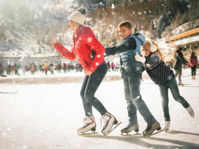 patinoire-alpes-petunyia-a177079252.jpeg