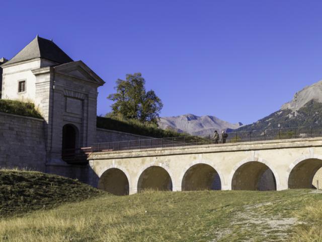 placeforte-montdauphin-alpes-jcflaccomio.jpg