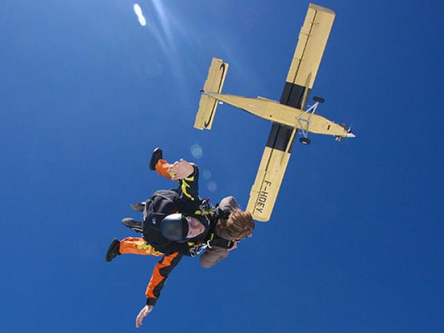 saut-parachute-tandem-psd.jpg