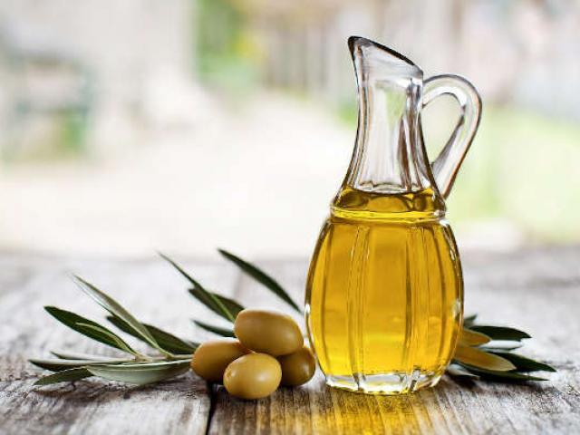 Savoirfaire Gastronomie Huile Olive Paca Istock12676