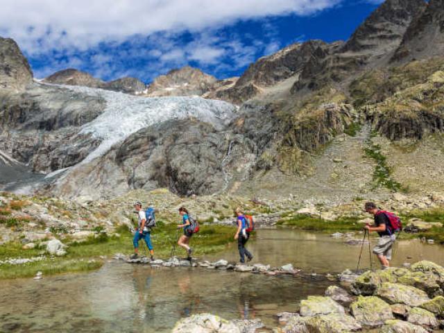 Slow Tourisme Randonnee Glacier Ecrins Paca Bbodin