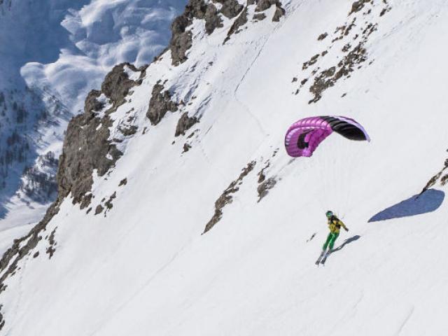 Speedriding Parapente Hiver Timrochas Praloup Alpes Ad04theogiacometti Resize Bloc