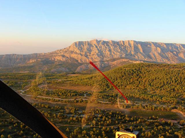 survol-paysage-provencal-patrice-sport-decouverte.jpg