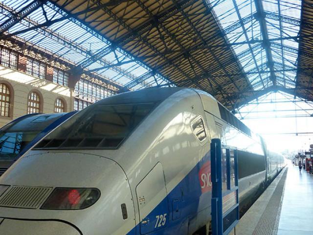 Train Gare Cmarchand