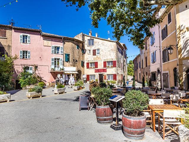 Village Tourtour Paca F