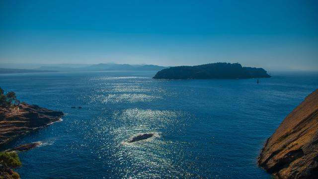 littoral-provence-coast-amouton.jpg